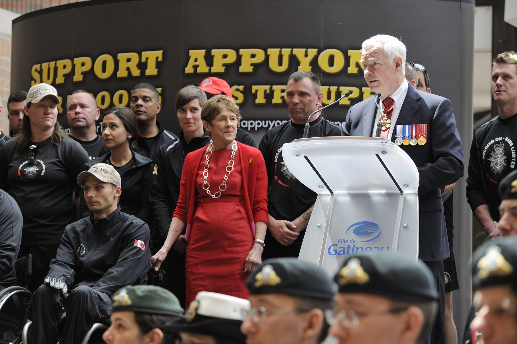 The Governor General said a few words of support to the participants.
