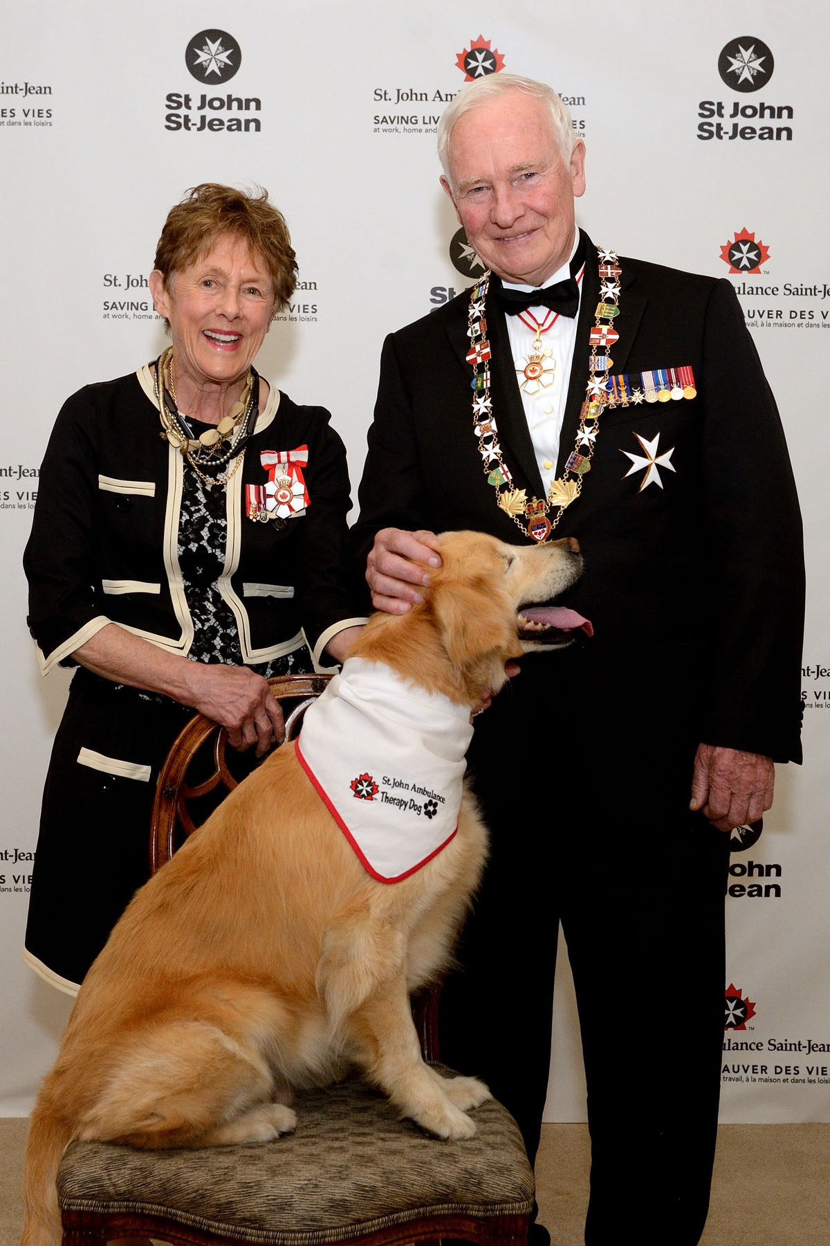 Their Excellencies attended the International Meeting of the Order of St. John, in Toronto. On this occasion, they also learned more about the St. John Ambulance therapy dog program, one that is unique to Canada.