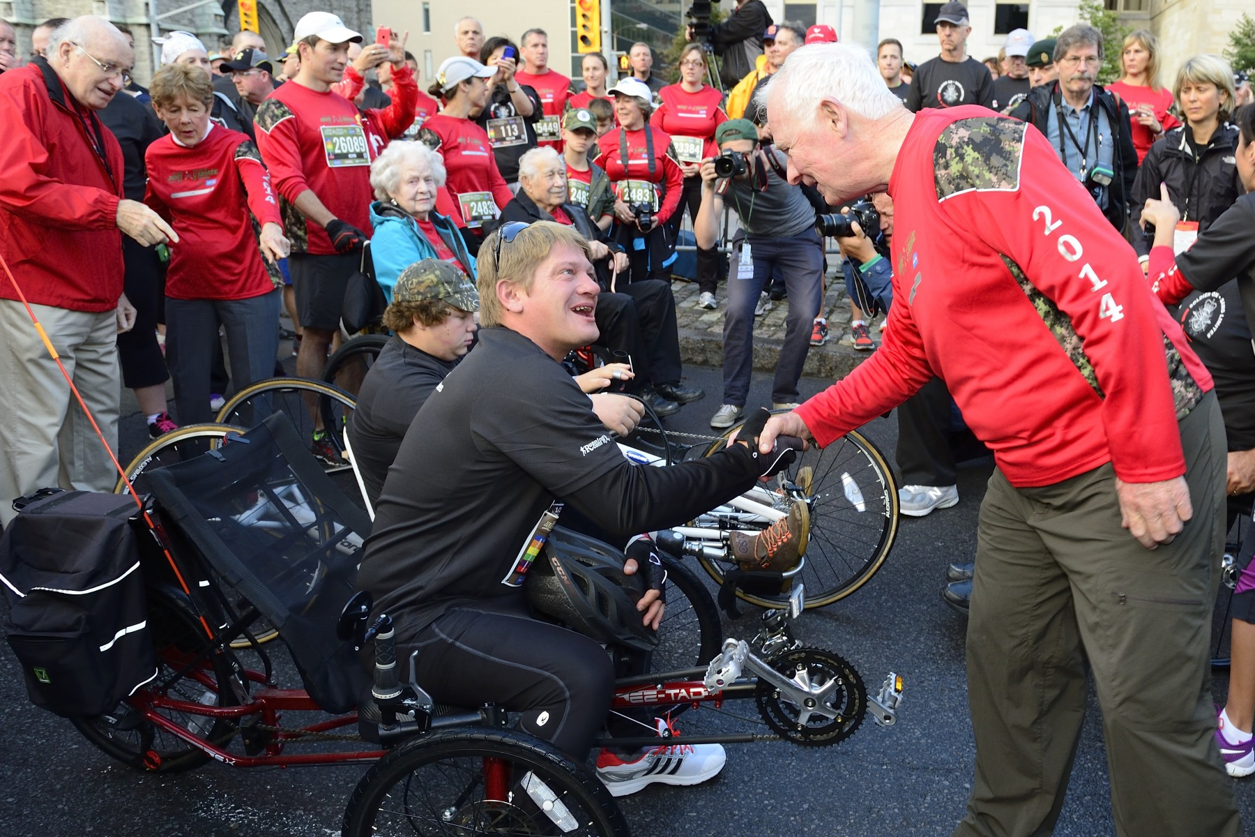 As patrons of Canada Army Run, Their Excellencies the Right Honourable David Johnston, Governor General and Commander-in-Chief of Canada, and Mrs. Sharon Johnston attended the 7th edition of the event on September 21, 2014, in downtown Ottawa.