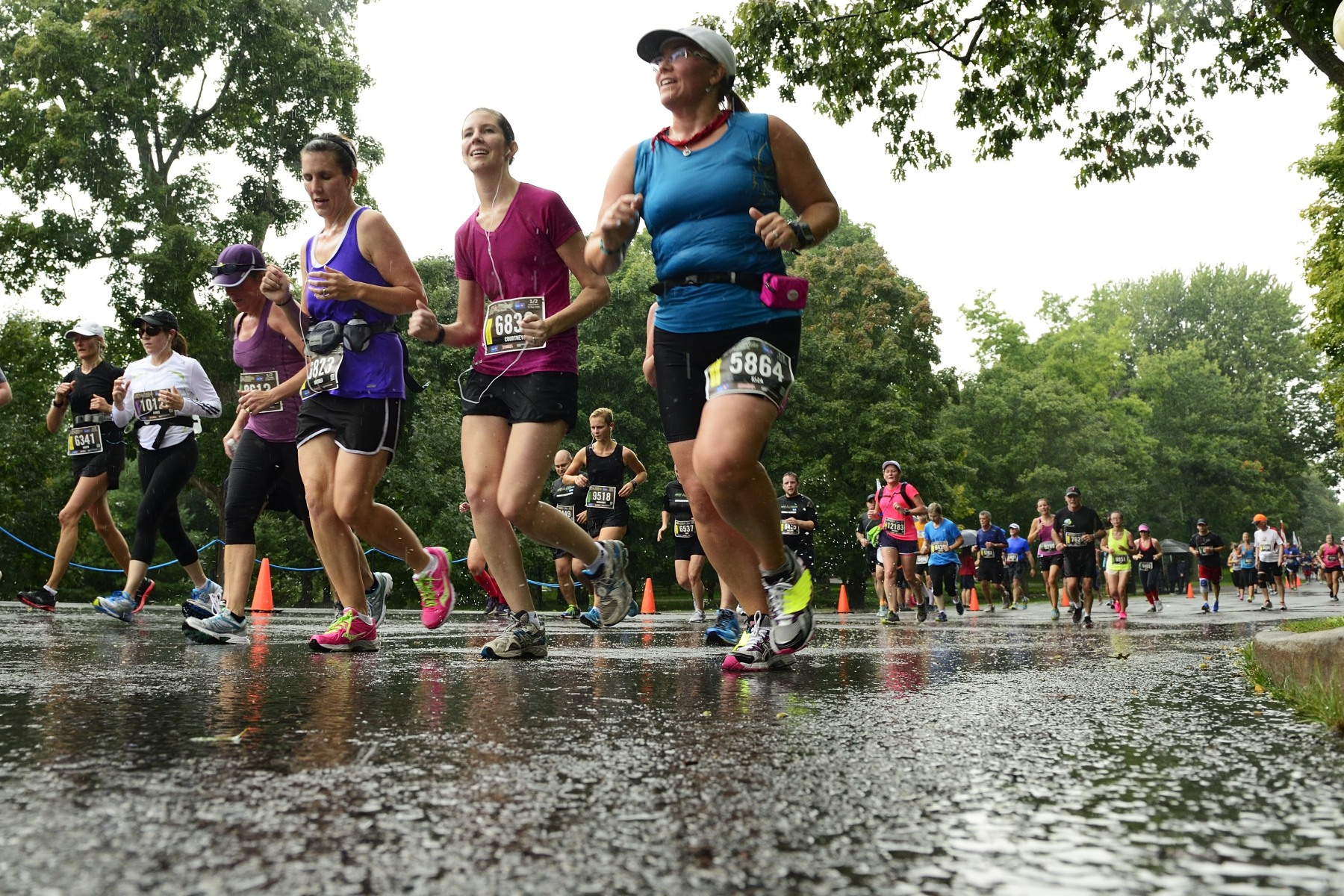 Despite the pouring rain, participants kept running, rolling and walking with great intensity and determination.