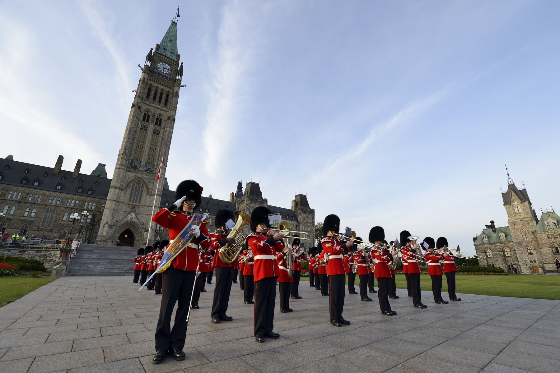 La Musique du R22R was also on site to commemorate this milestone in the history of the Canadian Army.