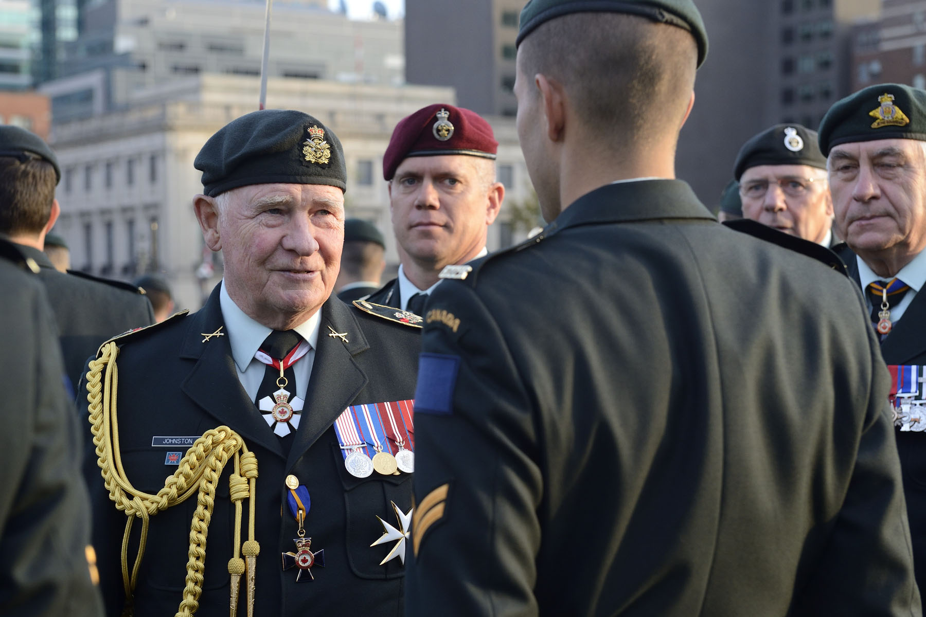 During the review of the troops, His Excellency spoke with PPCLI and R22R members.