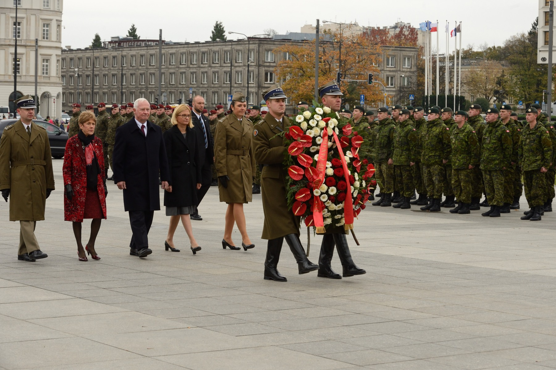 Their Excellencies payed tribute to Polish soldiers and commemorated Canada-Poland joint military efforts by laying a wreath at the Tomb of the Unknown Soldier.