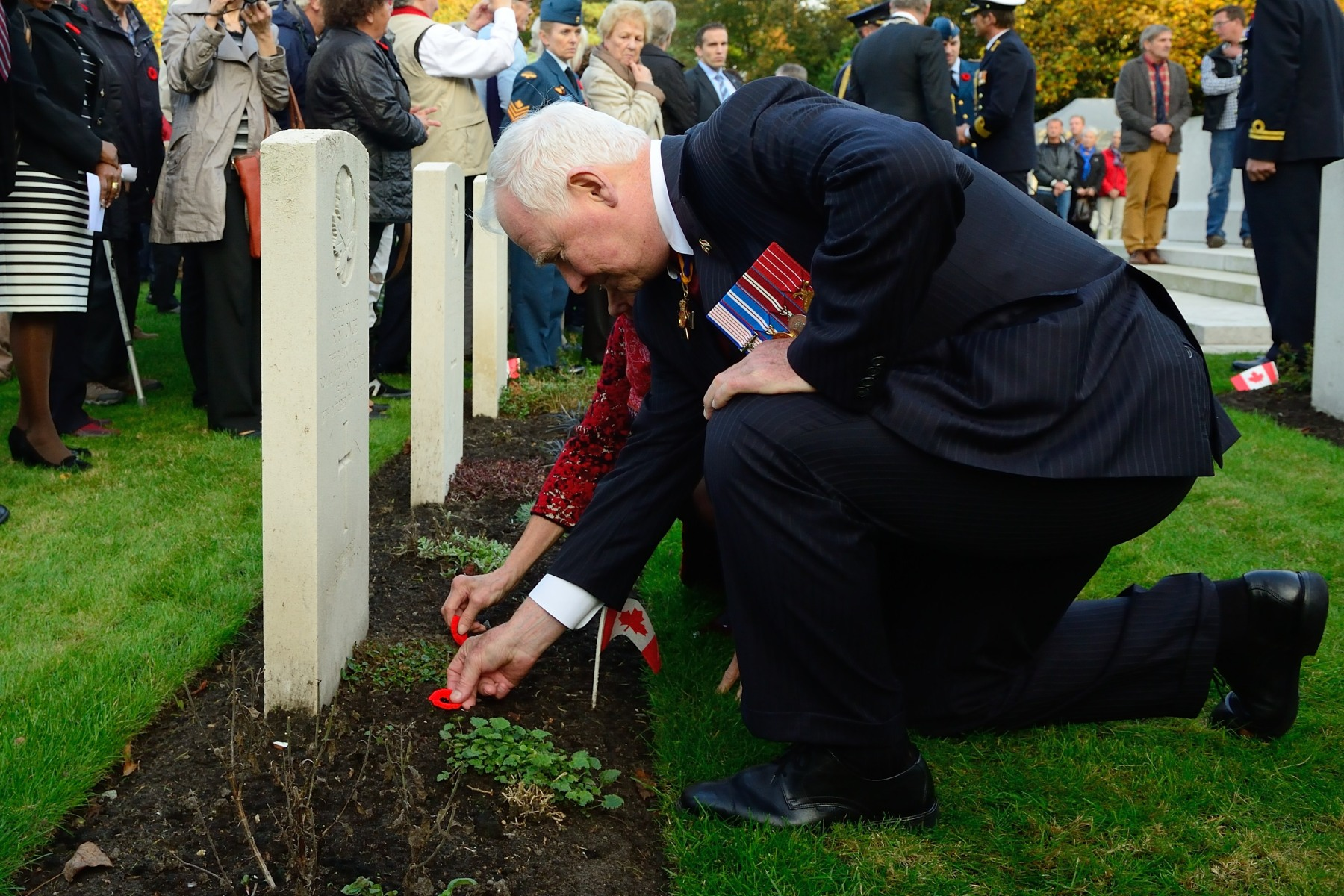 Their Excellencies and Canadian delegates commemorated the valour of Canadian soldiers in the Battle of the Scheldt to mark the 70th anniversary of the beginning of the Liberation of the Netherlands, and to inaugurate a Canadian Day of Memory in the Netherlands.