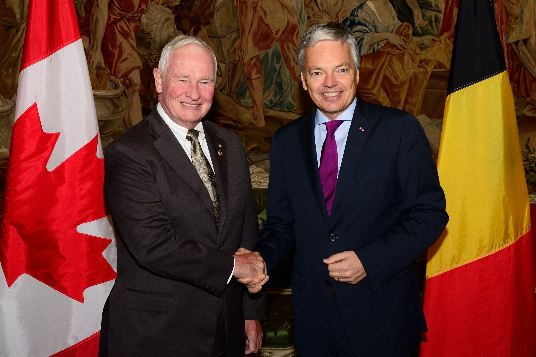 The Governor General attended a luncheon with representatives of the Canadian and Belgian Business Communities. During the luncheon, he met with Didier Reynders, Minister of Foreign Affairs.