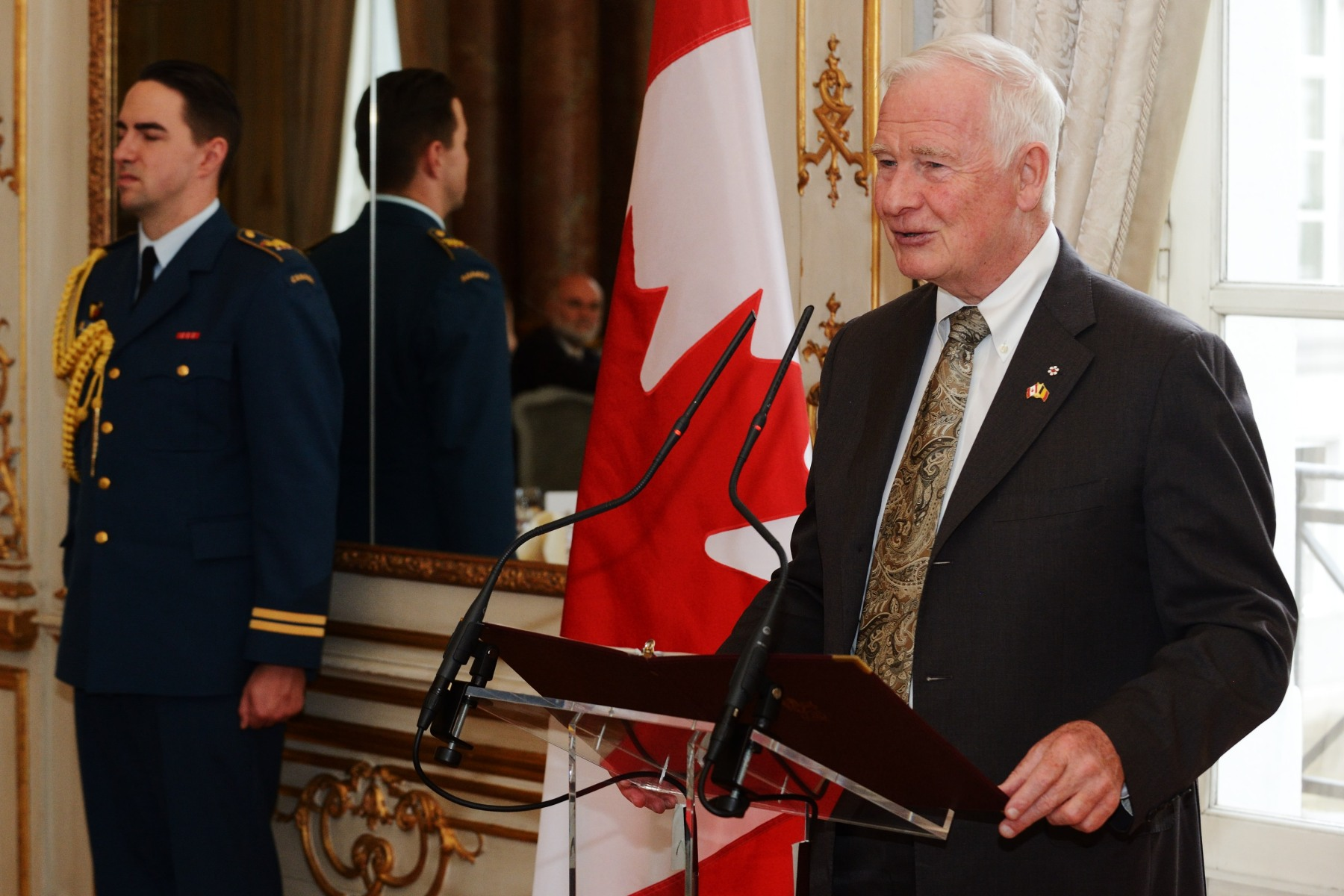 The Governor General delivered a keynote address to highlight Canada's qualities as an investment destination and to build awareness on the CETA. He also underlined Canada's war efforts in Belgium during the 20th century and celebrated 75 years of diplomatic relations.