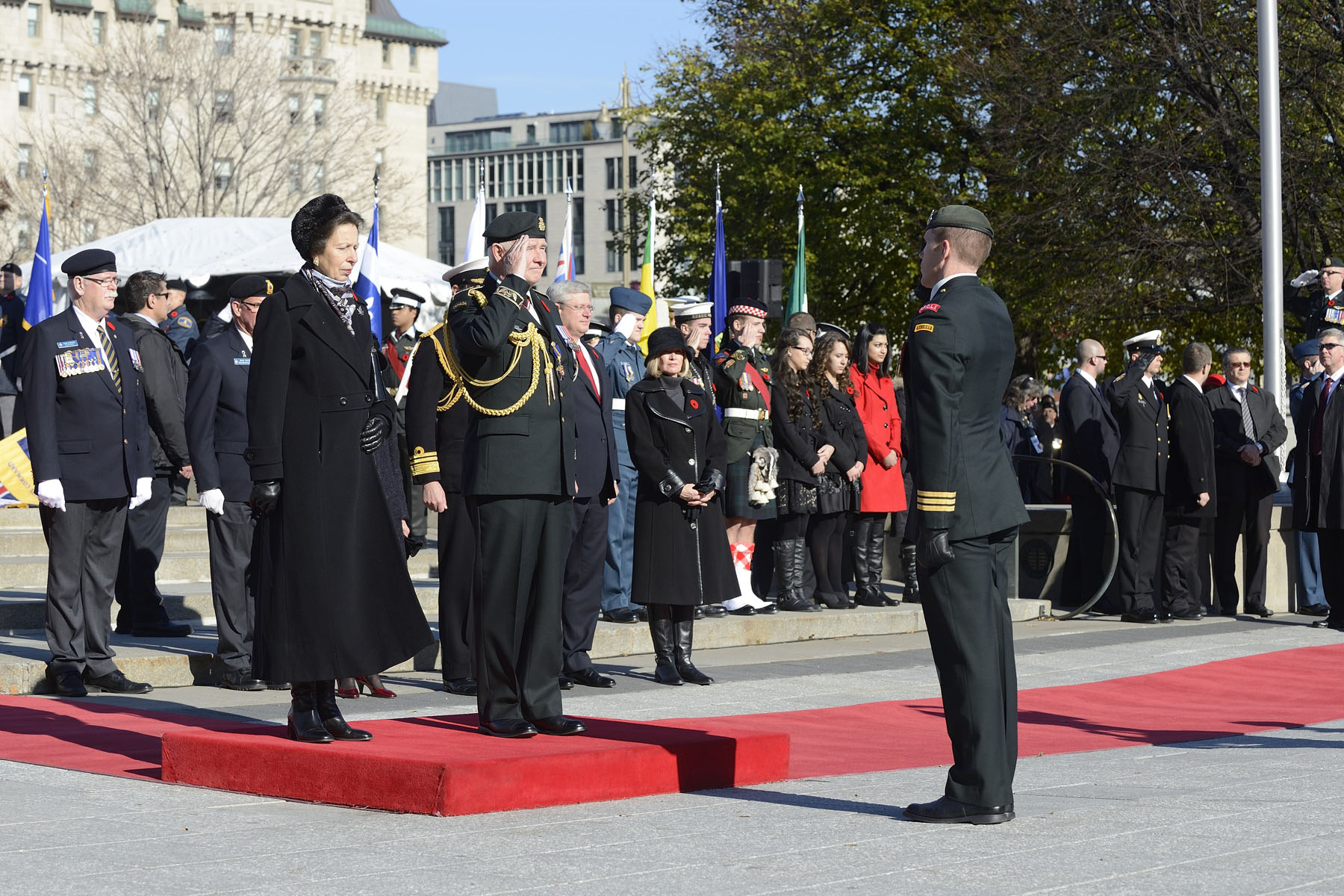 Their Excellencies, joined by Her Royal Highness The Princess Royal and Vice Admiral Tim Laurence, attended the National Remembrance Day Ceremony at the National War Memorial.