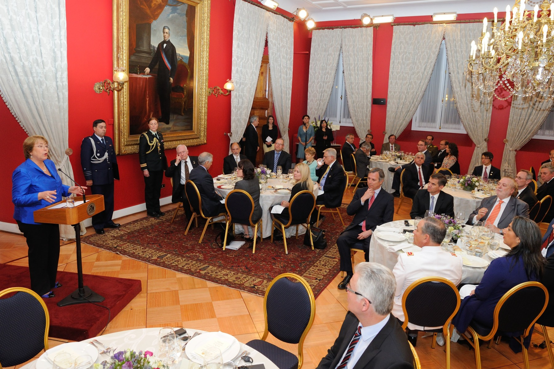 Their Excellencies and the Canadian delegation took part in a State luncheon hosted by President Bachelet, in honour of their visit to the country.