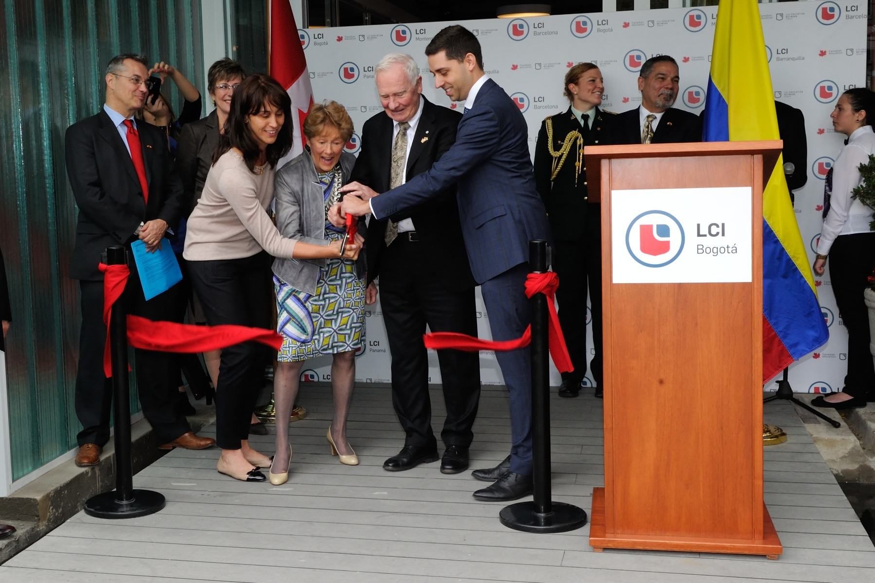 Their Excellencies, joined by Gina Parody, Minister of Education in Colombia, and Claude Marchand, President of LaSalle College International Education, inaugurated the new LaSalle College campus in Bogotá, the only private Canadian educational institution with direct investment in Colombia.