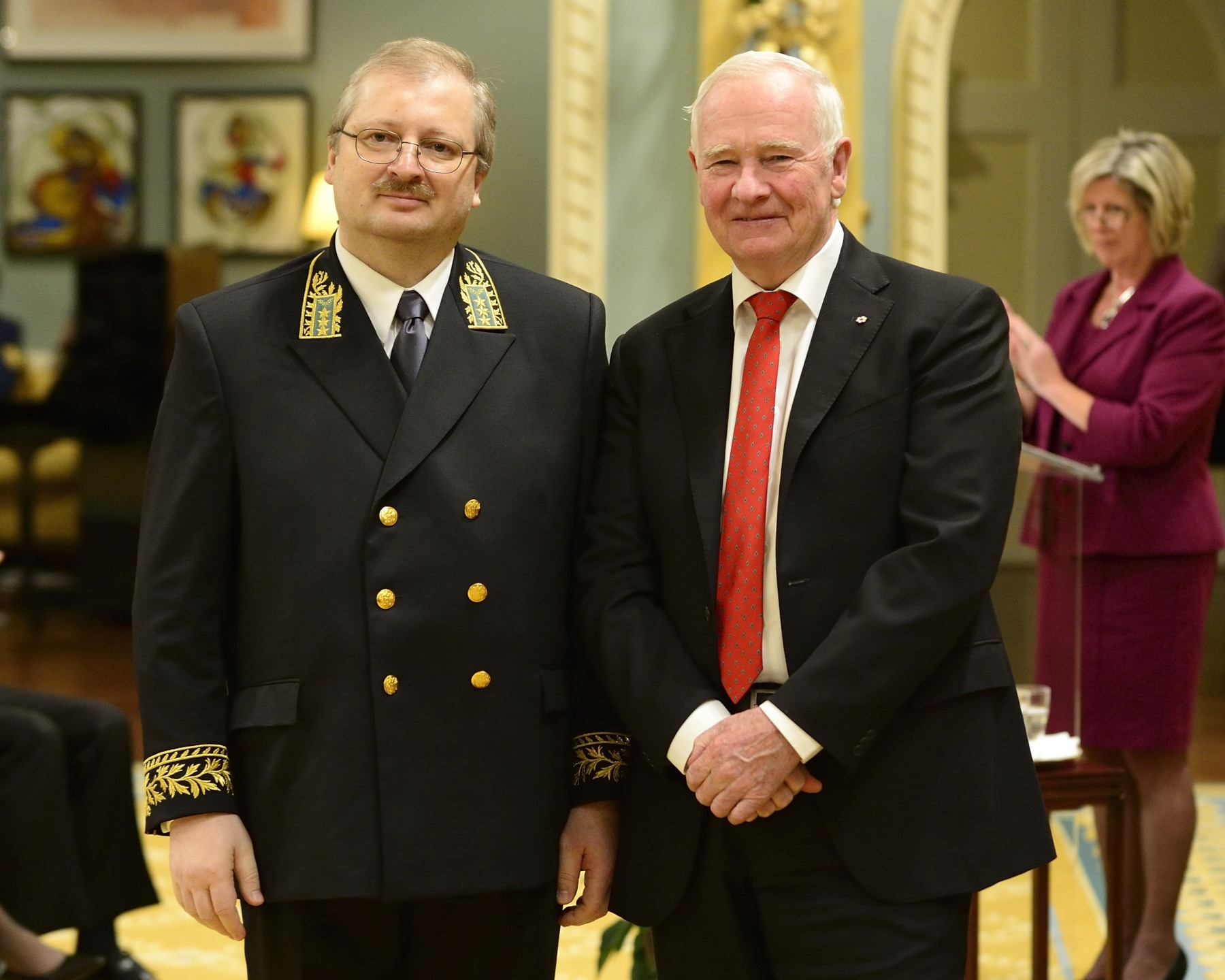 He first received the letters of credence of His Excellency Alexander Darchiev, Ambassador of the Russian Federation.