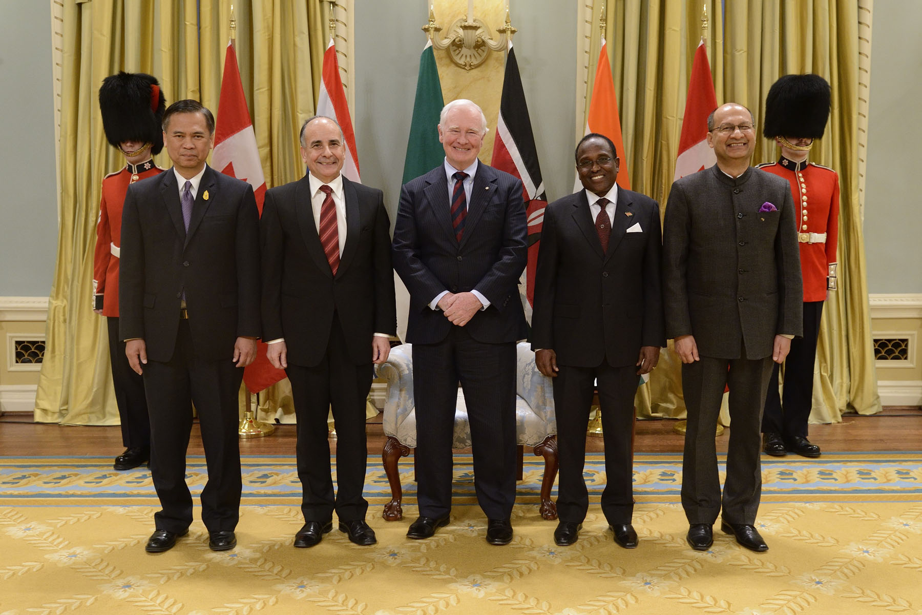 Official photo of the Governor General with the new four heads of mission from Thailand, Algeria, Kenya and India.