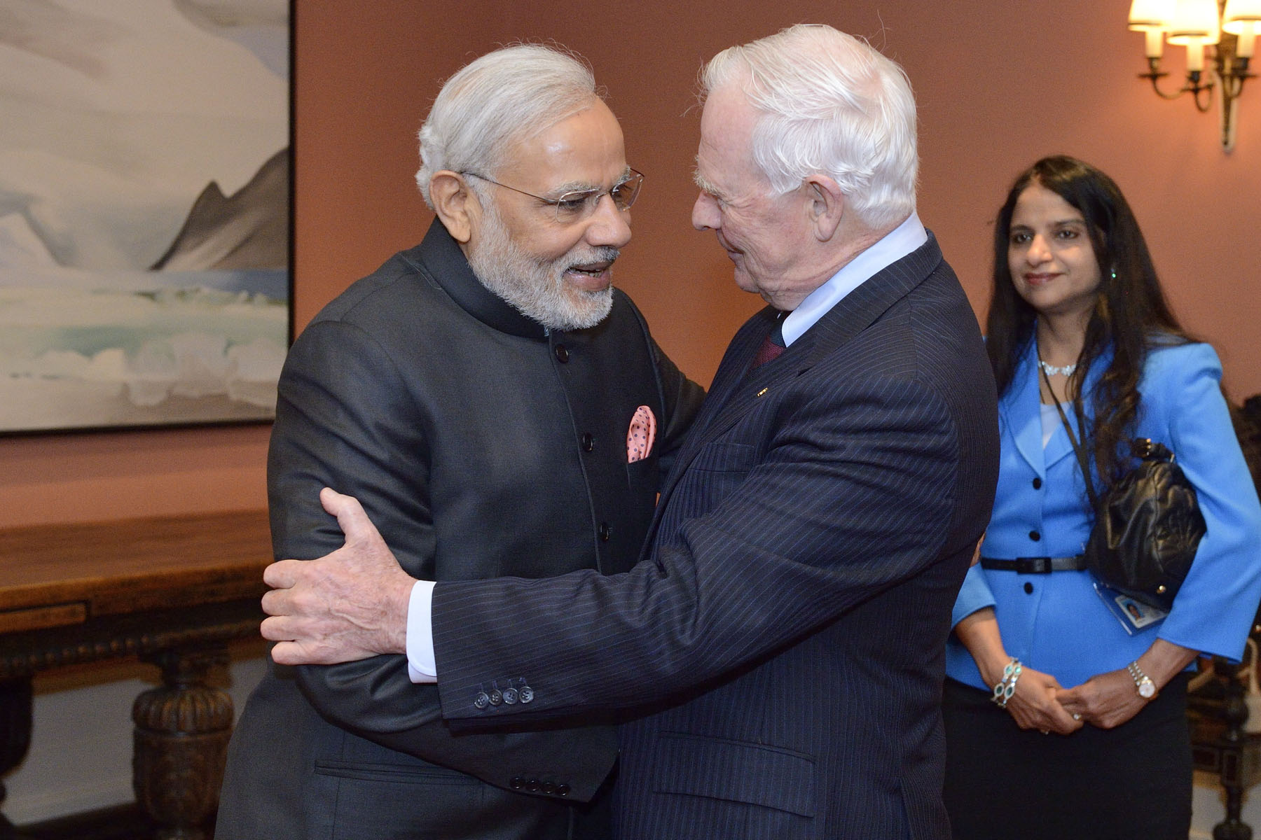 His Excellency the Right Honourable David Johnston, Governor General of Canada, met with His Excellency Narendra Modi, Prime Minister of the Republic of India, at Rideau Hall, on April 15, 2015.