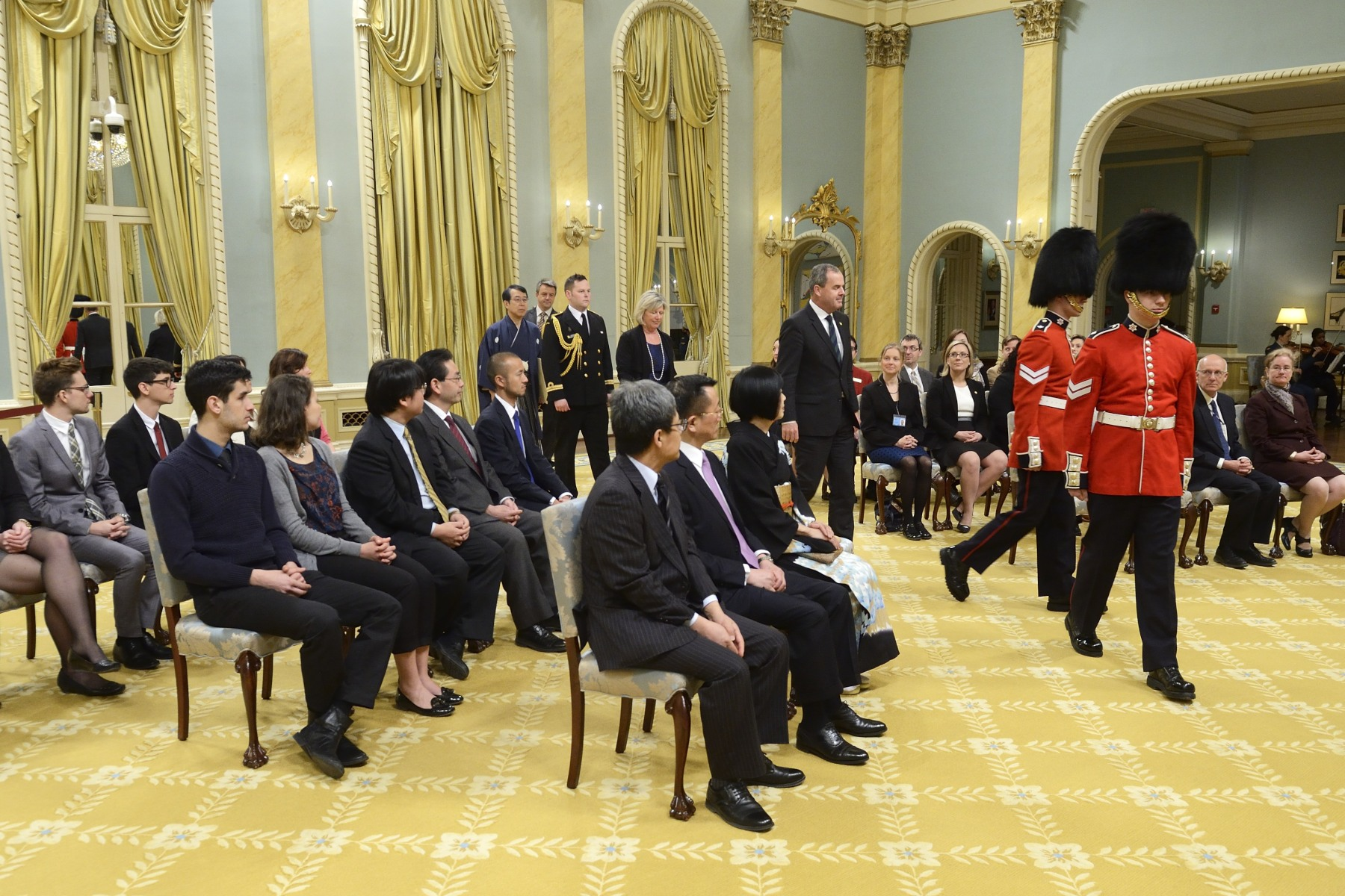 On April 23, 2015, the Governor General welcomed to Canada two new heads of mission from Macedonia and Japan.