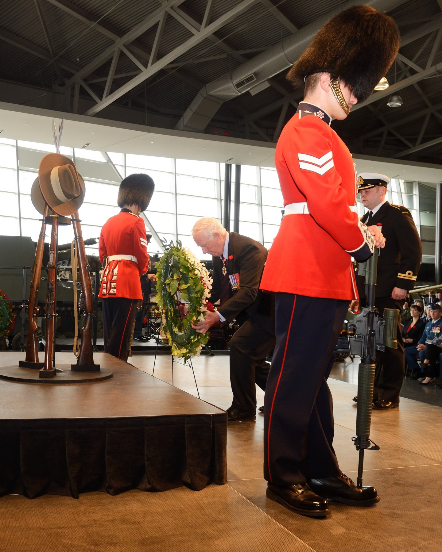 The Governor General laid a wreath to pay tribute to the 8 709 Australian and 2 779 New Zealand soldiers who were killed during the Gallipoli Campaign that began on April 25, 1915. Some Canadian soldiers, who had signed up for service with the United Kingdom, were among the British forces at Gallipoli. In addition, several Canadian military field hospitals supported the campaign.