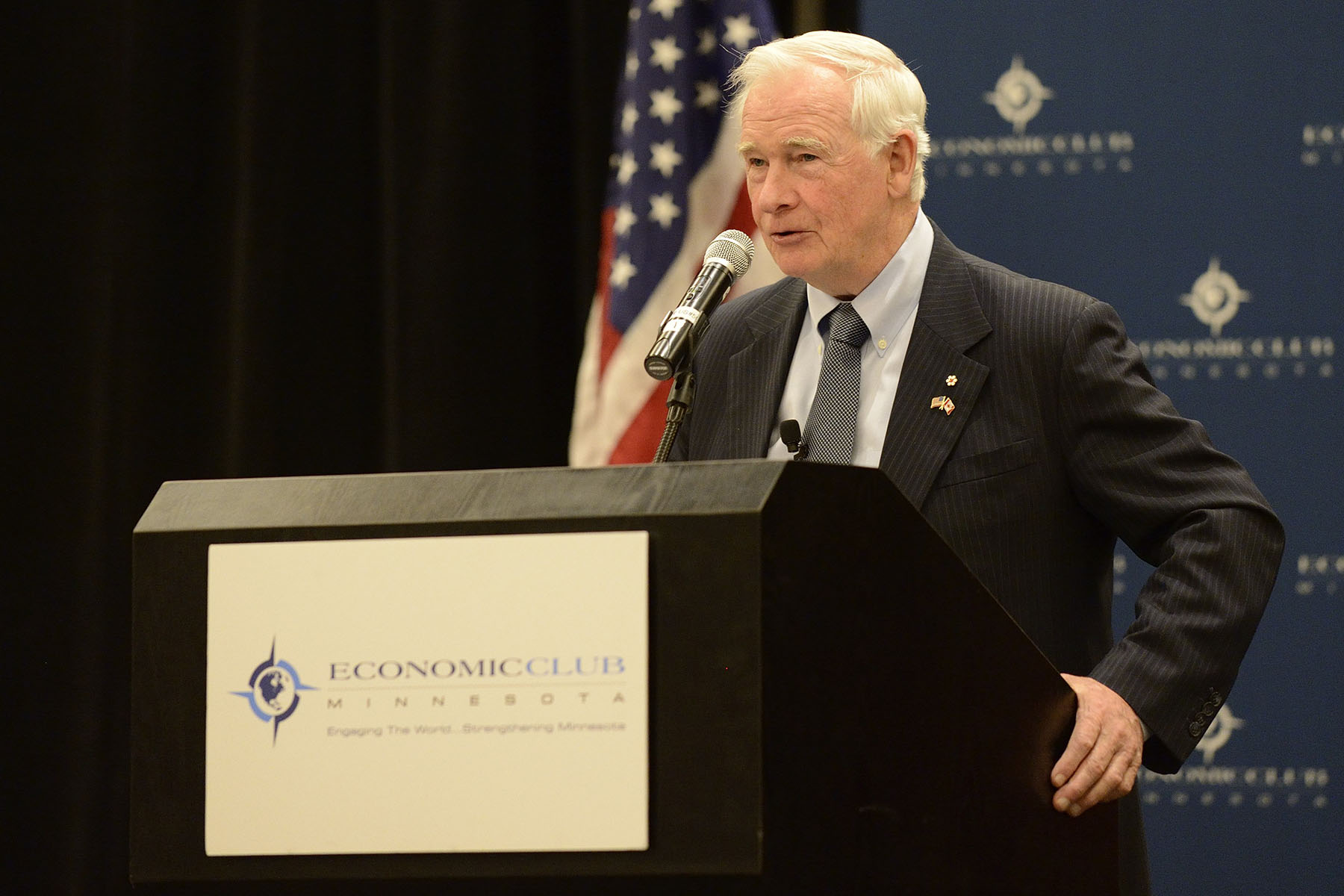His Excellency then delivered an address during a luncheon organised by the Economic Club of Minnesota on the need to share knowledge across borders and disciplines in today's world to meet complex, interrelated challenges.