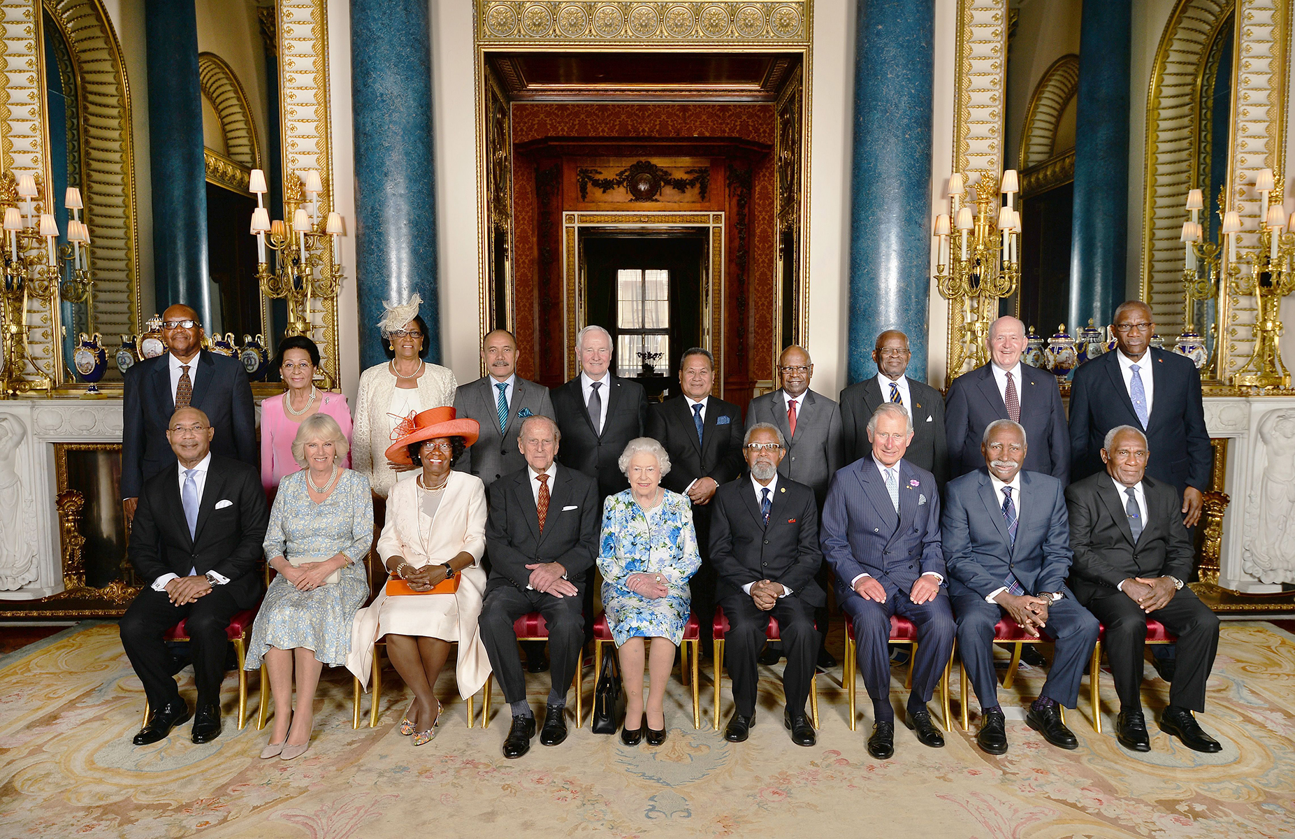 A luncheon was hosted by Her Majesty The Queen in the presence of the governors general of Commonwealth realms.