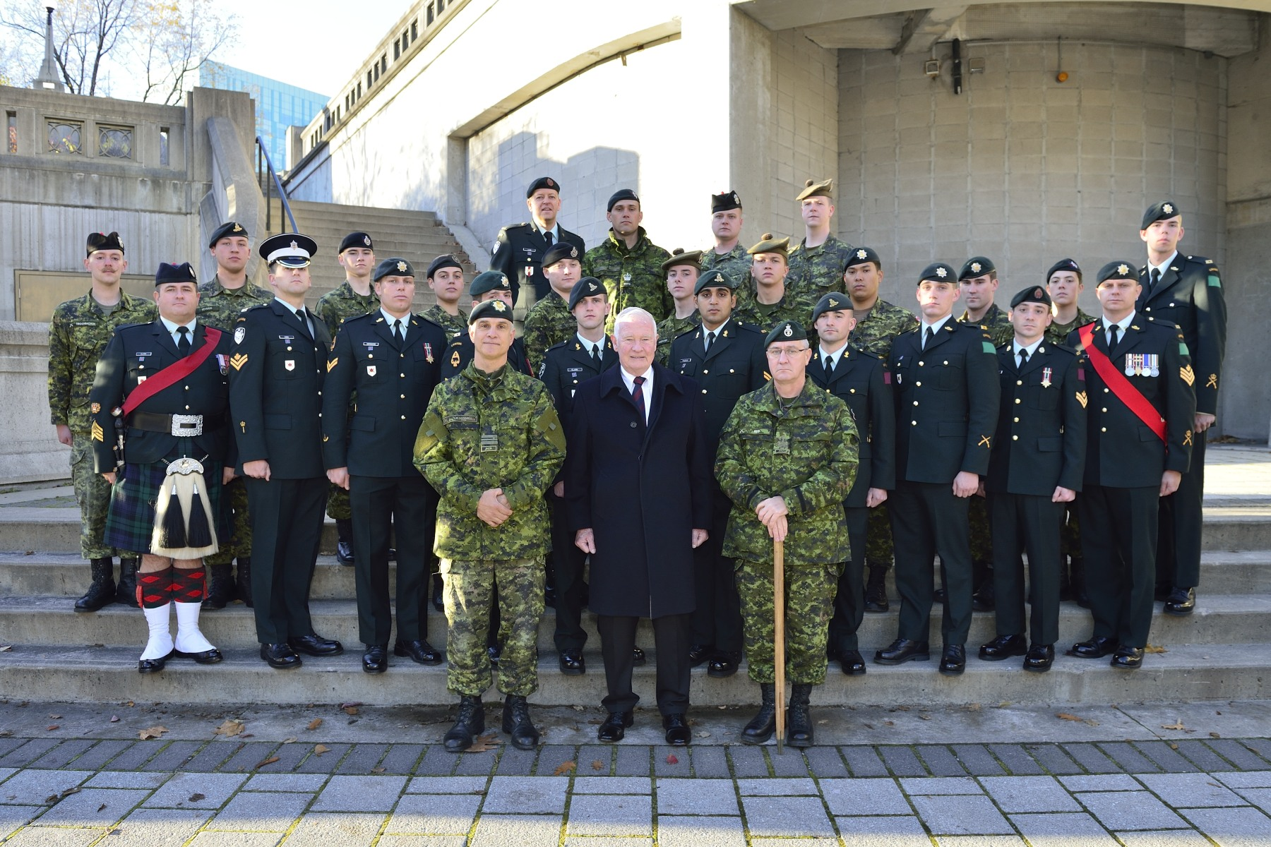 Photo of His Excellency with members of the National Sentry Program.