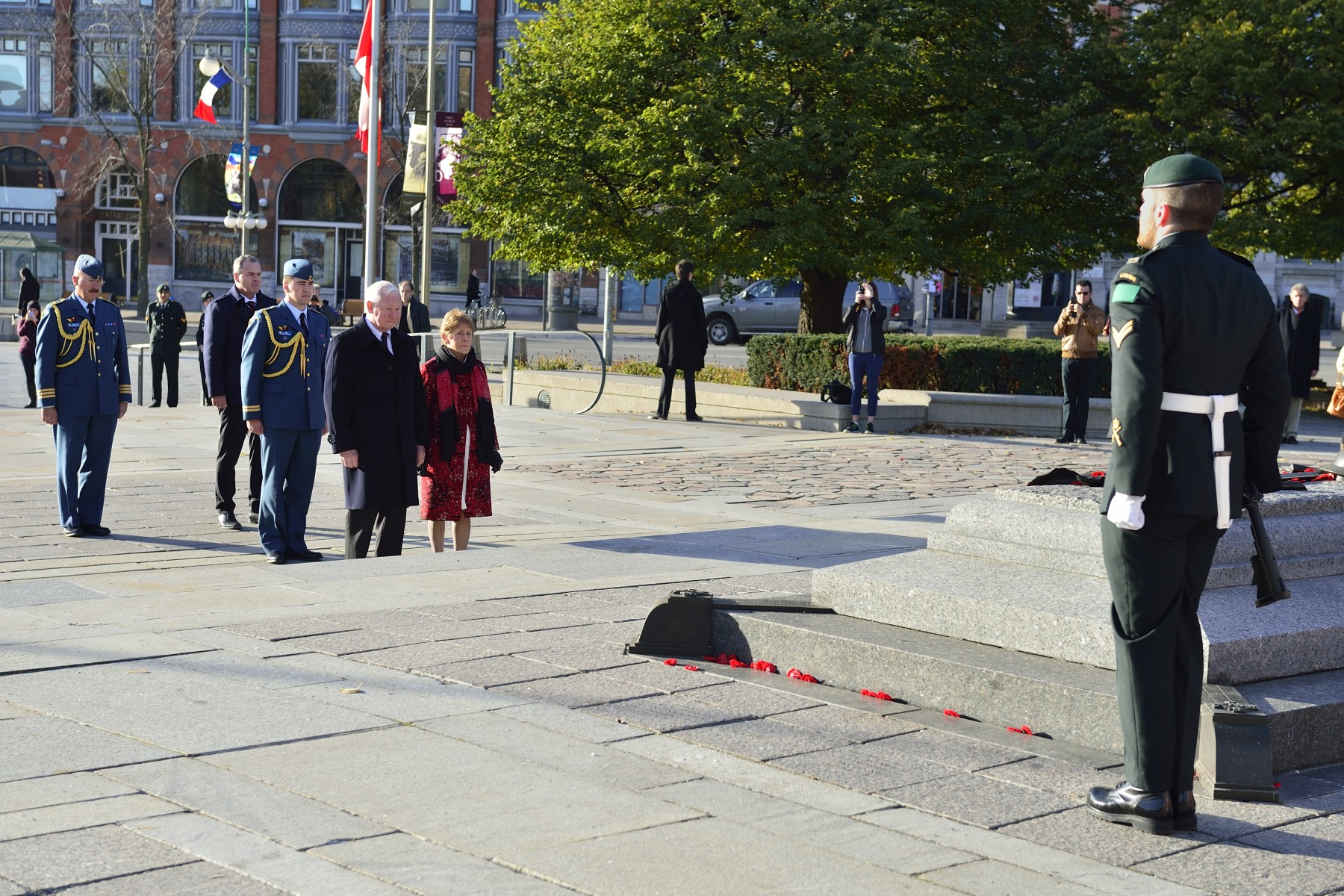 Their Excellencies paid their respects to Corporal Nathan Cirillo and Warrant Office Patrice Vincent, who was killed in St-Jean-sur-Richelieu, Quebec, on October 20, 2014.