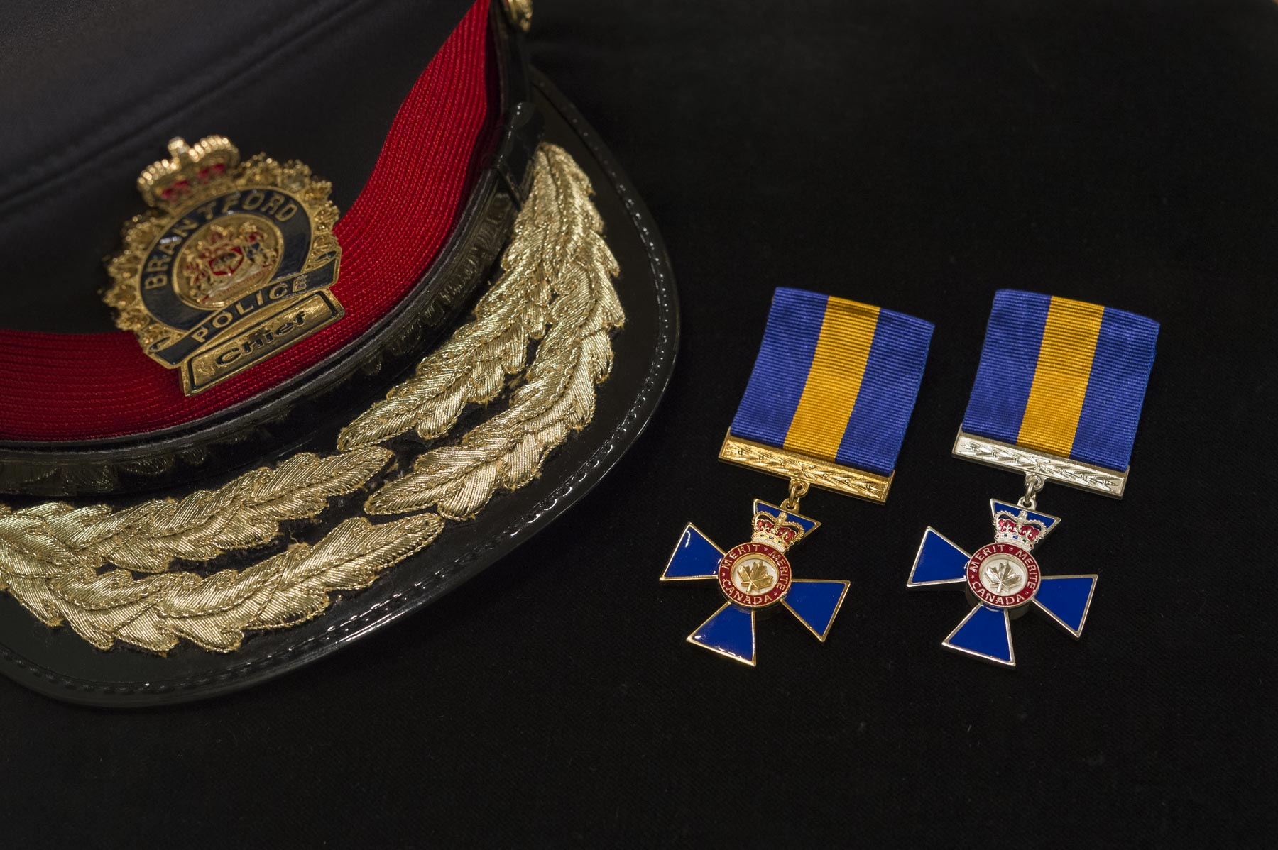 The Governor General presided over an Order of Merit of the Police Forces investiture ceremony at Rideau Hall on May 25, 2017, and bestowed the honour on 4 Officers and 40 Members.