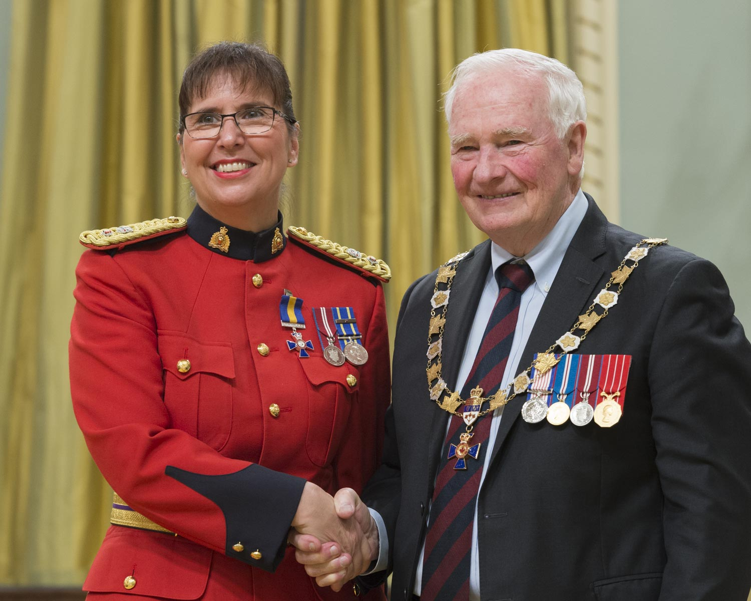 His Excellency presented the Order at the Member level to Superintendent F. Deanne Burleigh, M.O.M., of the Royal Canadian Mounted Police, Chilliwack, British Columbia.