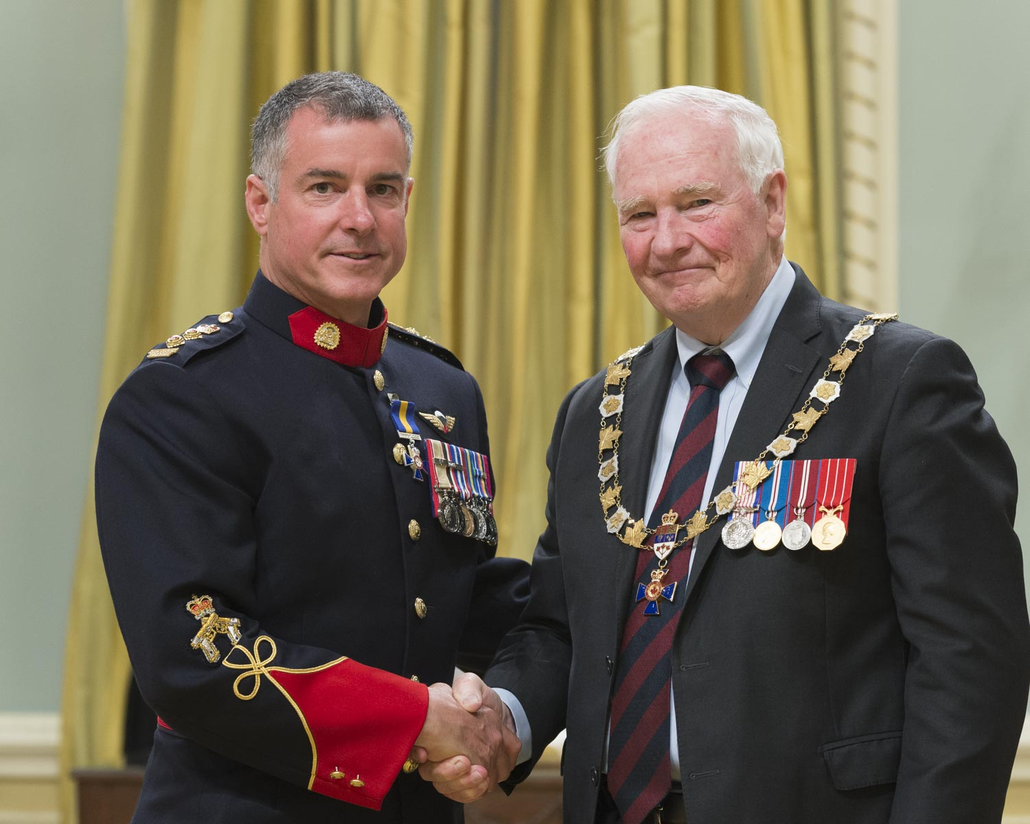 His Excellency presented the Order at the Member level to Superintendent Raymond Robitaille, M.O.M., of the Calgary Police Service, Alberta.