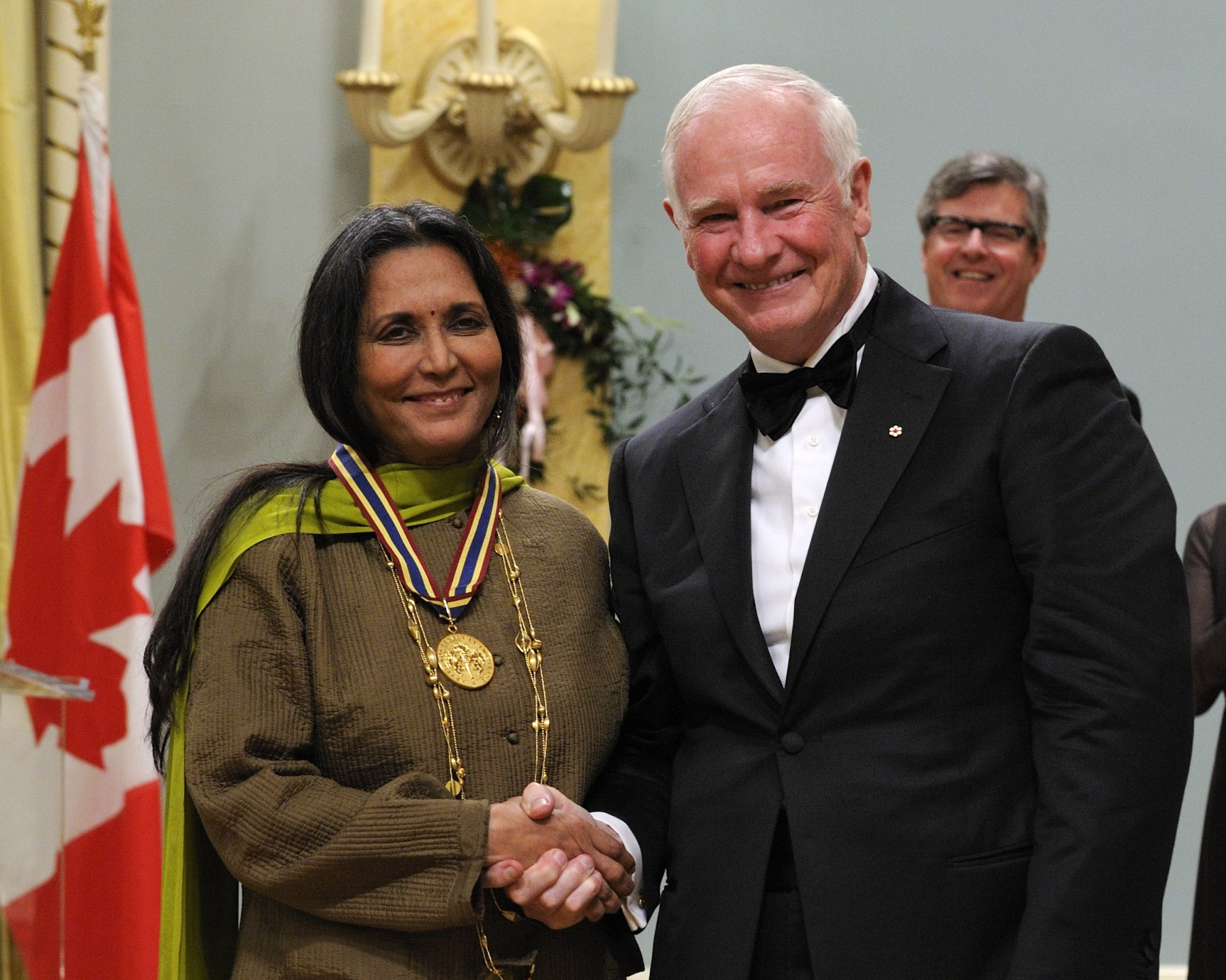 Ms. Deepa Mehta, film director and screenwriter, received the Lifetime Artistic Achievement Award.