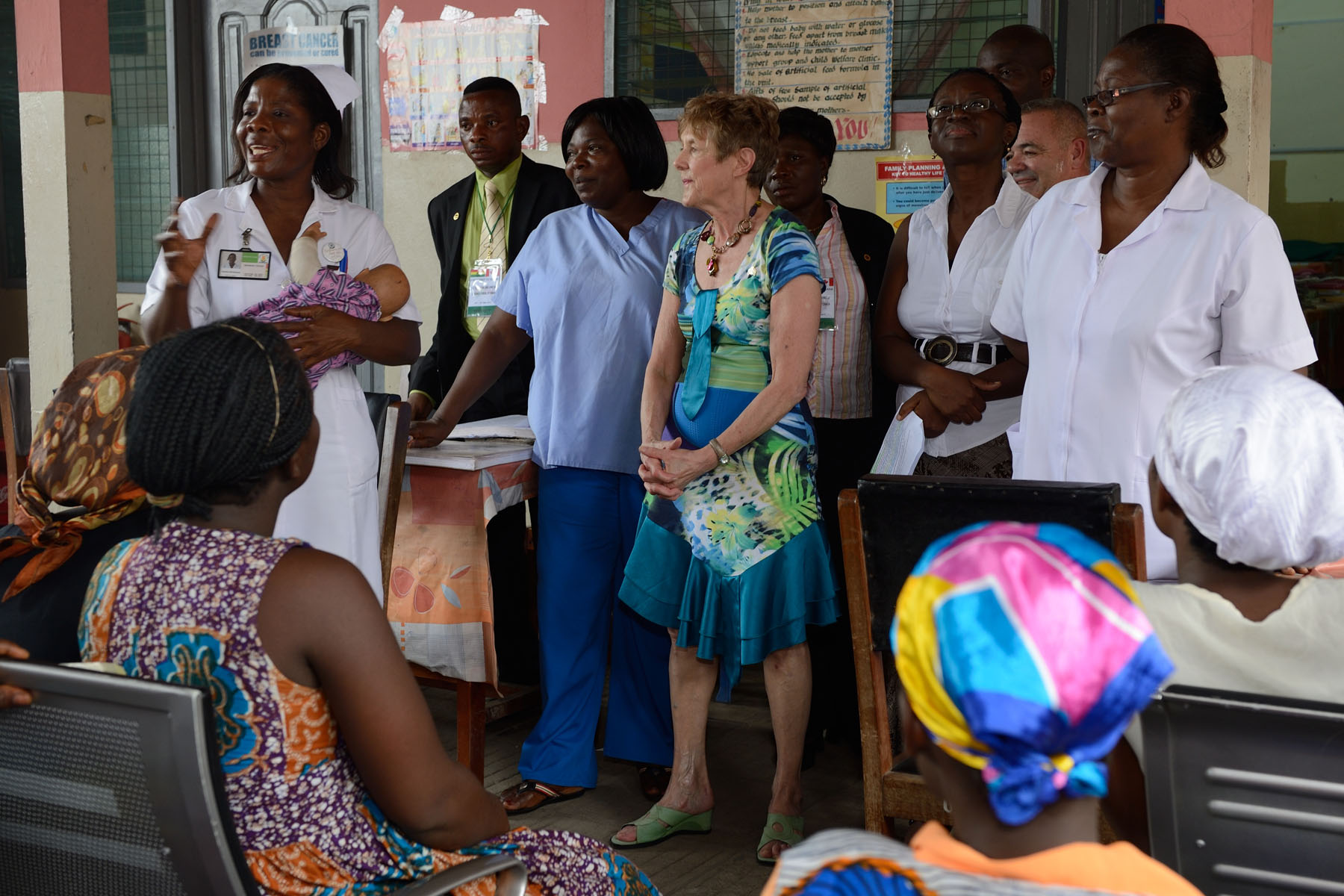 Her Excellency participated in a course on maternity skills for Ghanaian women.