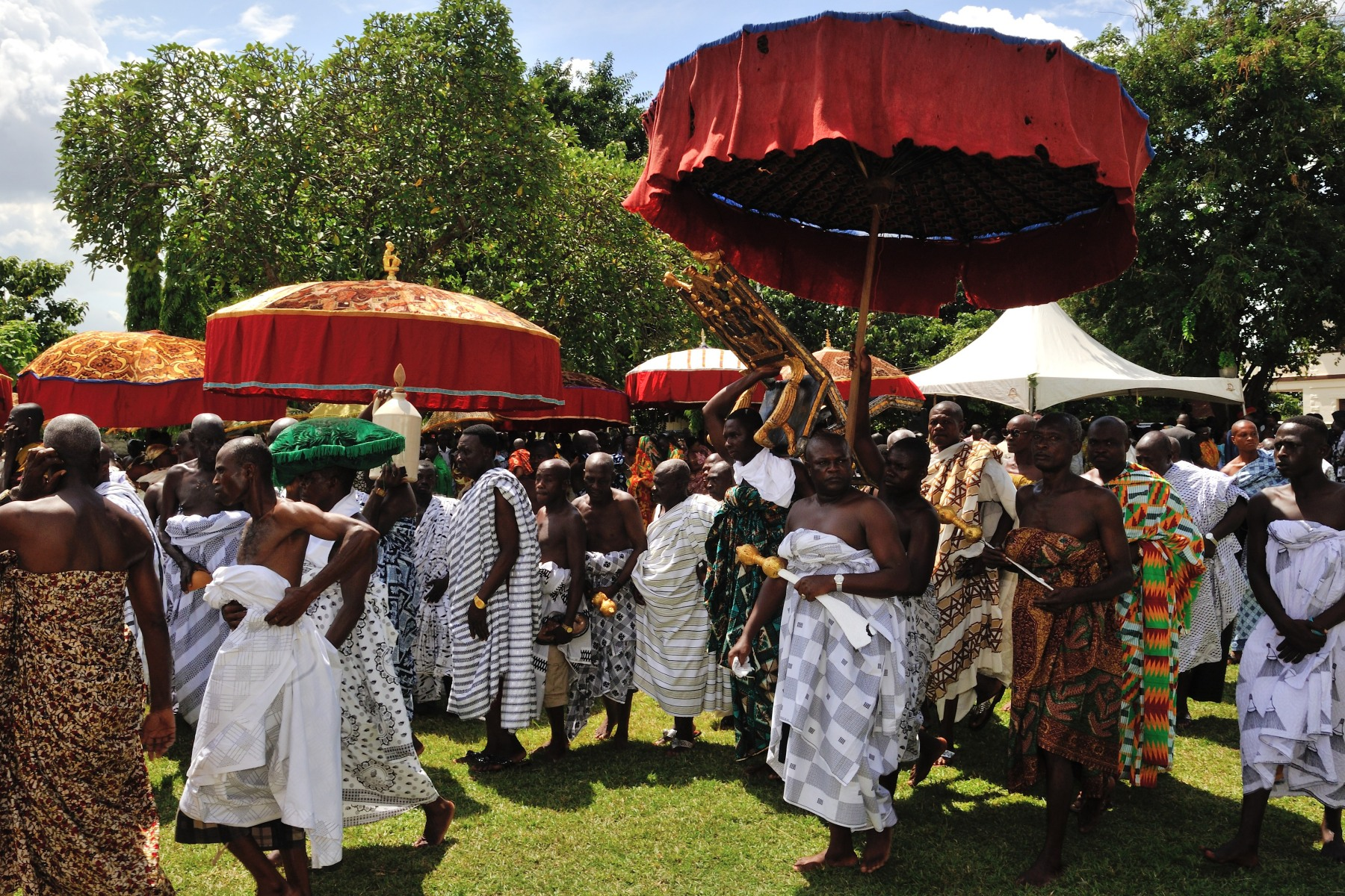 In honour of Their Excellencies' visit to Kumasi, Otumfuo Osei Tutu II, 16th King of the Kingdom of Ashanti, hosted a durbar—a gathering of chiefs of the Ashanti Region—at the Manhyia Palace.