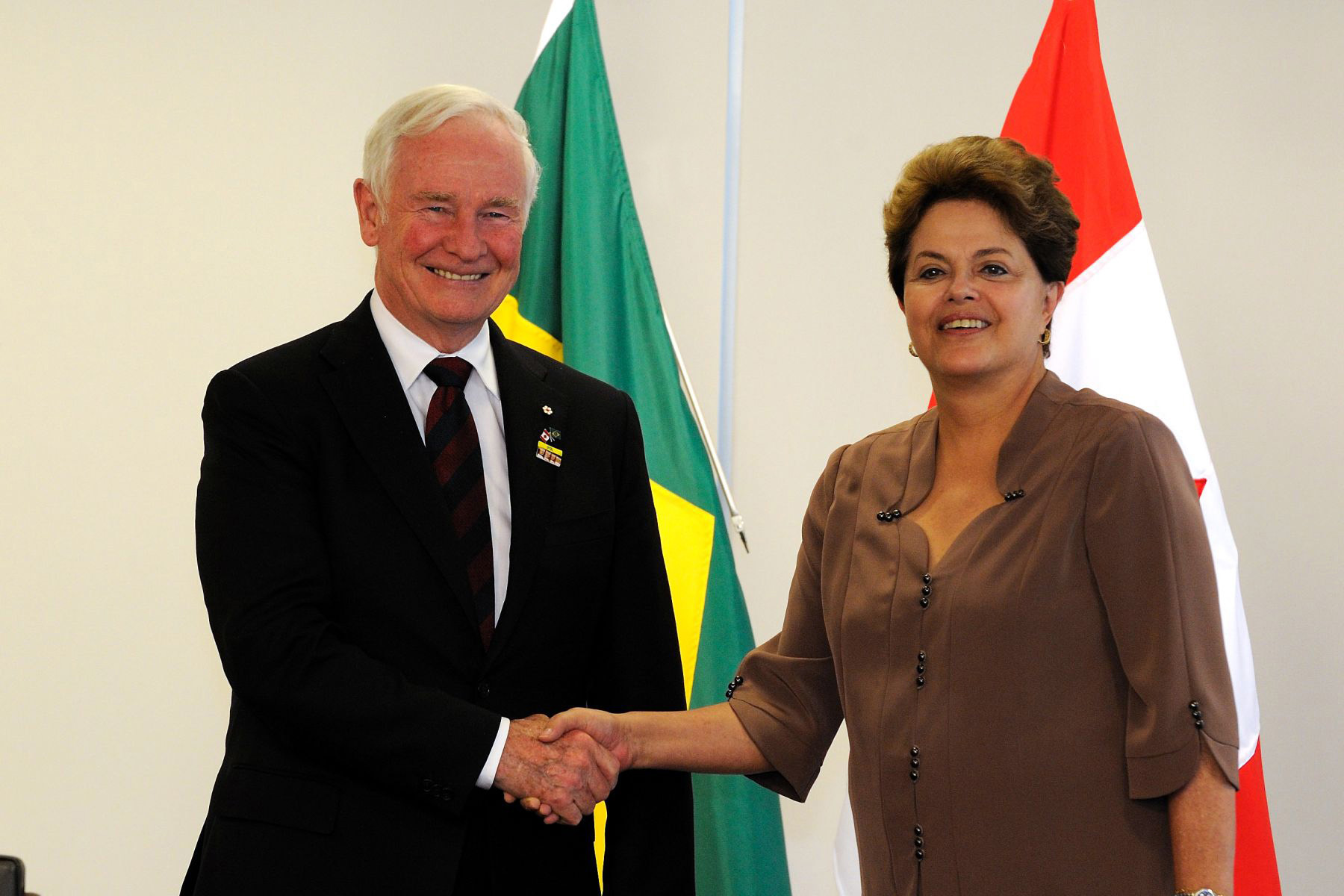The Governor General and the President of Brazil discussed future partnerships in the fields of education, innovation, science and technology, and commerce, as well as Canada's involvement in Brazil's Science Without Borders scholarship program.