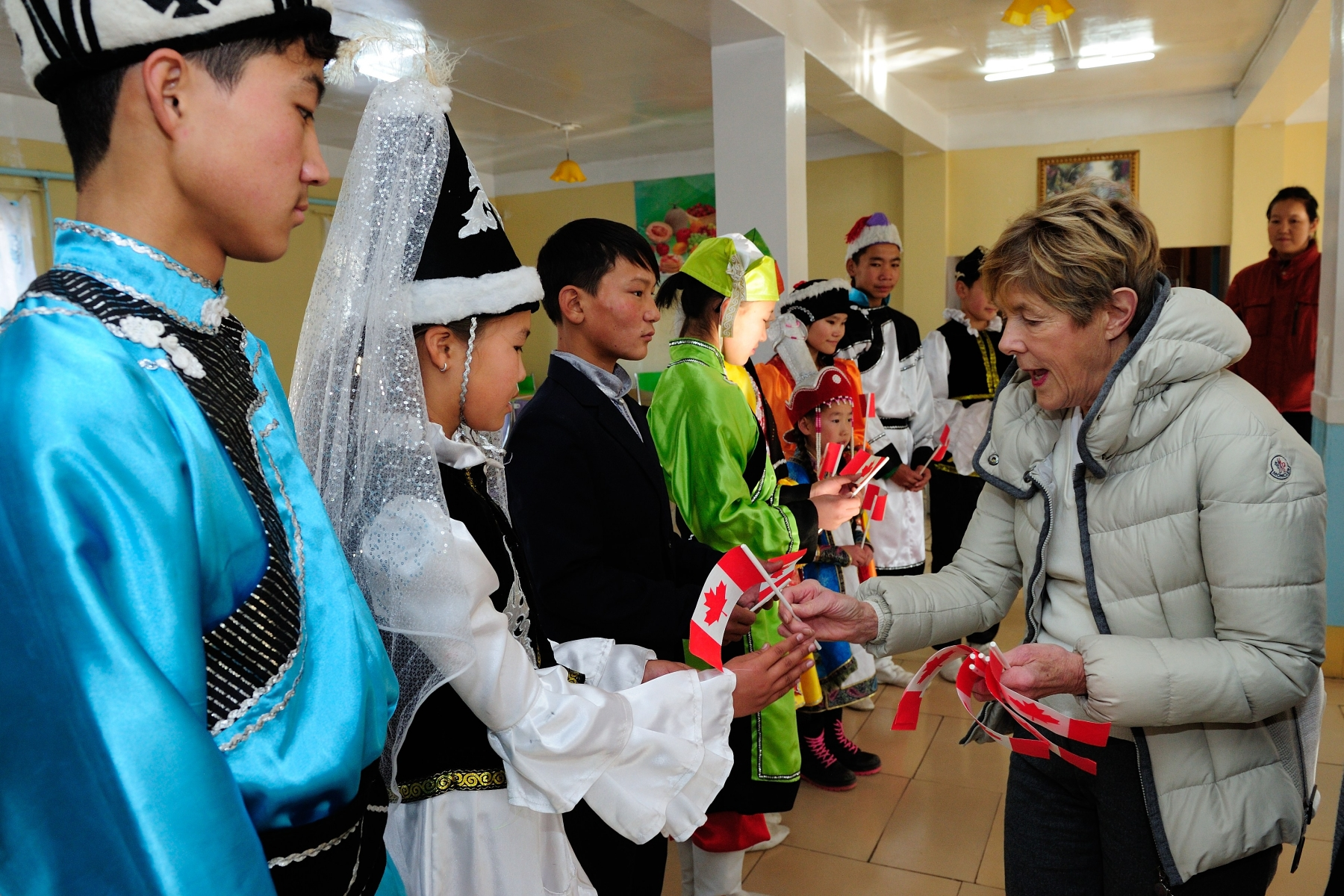 On the morning of October 26, 2013, Her Excellency traveled to Erdene County, outside of Ulaanbaatar, to highlight a Canada Fund for Local Initiatives project and to familiarize herself with the customary way of life in rural Mongolia.
