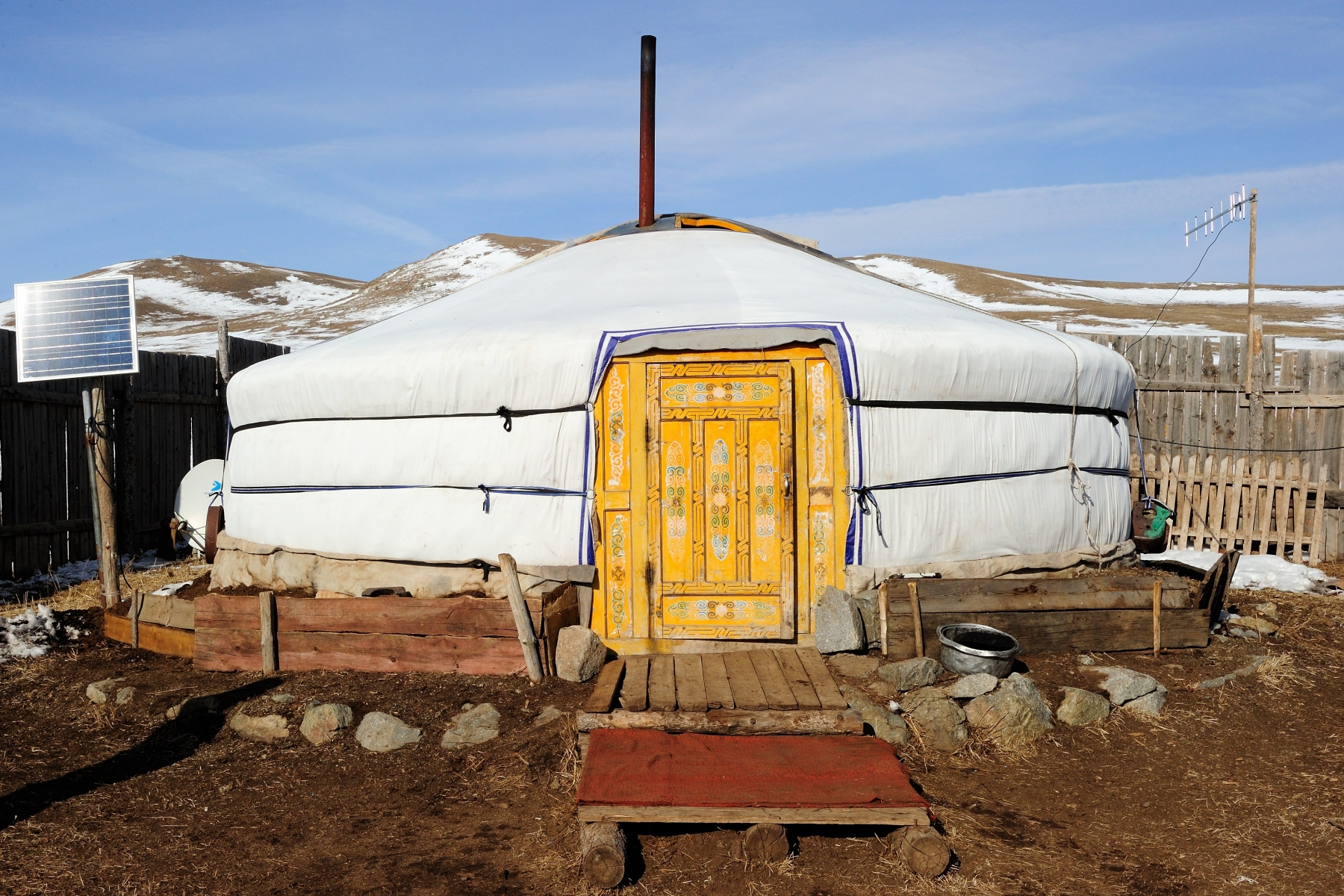 The second stop of her visit to Erdene County brought Her Excellency to a herder family's winter station.
