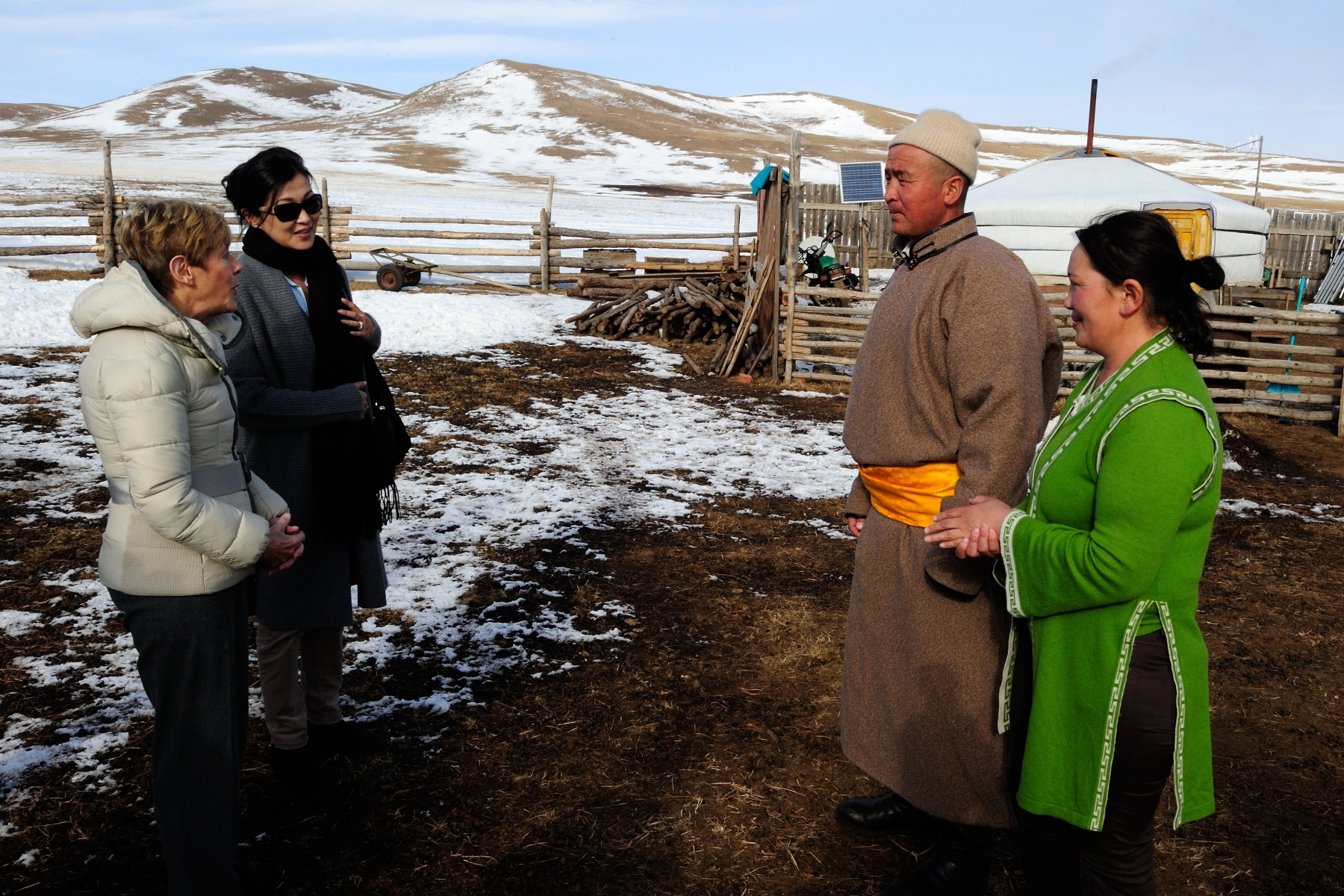 This visit gave Her Excellency the opportunity to learn more about the herder family's daily life.