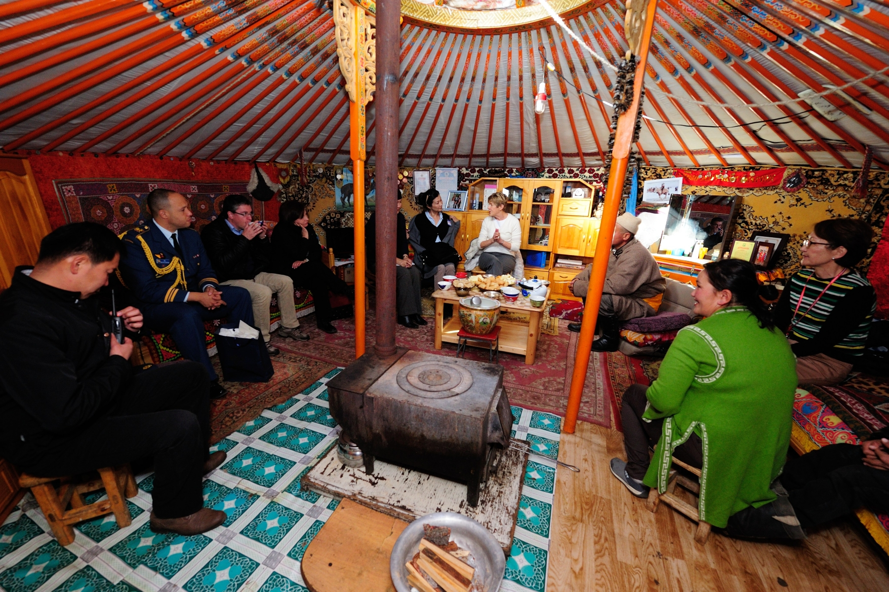 Inside the herder family's winter station, Her Excellency experienced their culture.