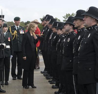 Her Excellency inspected the guard of honour which was comprised of members of the 5th Canadian Division, the Naval Reserve, Air Reserve Flight Torbay, the Royal Canadian Mounted Police, the Royal Newfoundland Constabulary and 5th Canadian Ranger Patrol G