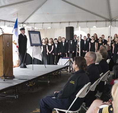 Her Excellency delivered brief remarks to thank the Canadian Coast Guard for this honour.