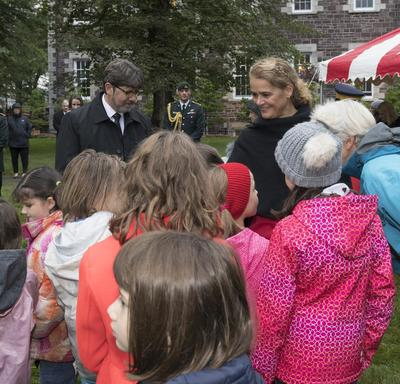 During the concert, Her Excellency met with members of the public.