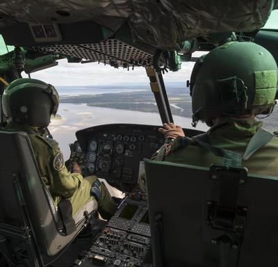 On board the helicopter, Her Excellency was able to see Labrador's beautiful landscapes.