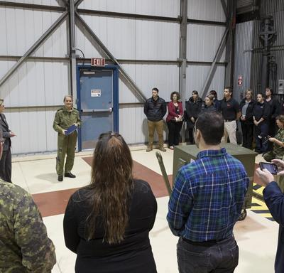 Afterwards, Her Excellency met with members of the Canadian Armed Forces personnel.