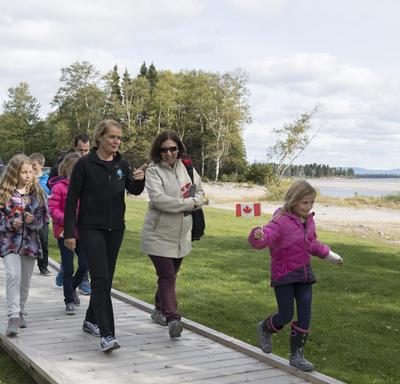 Later in the afternoon, the Governor General joined the Mayor of Happy Valley-Goose Bay, youth and volunteers on a walk along the new Birch Island Boardwalk.