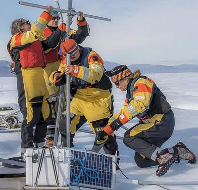 On the ice island, Her Excellency helped dismantle equipment that had been used for an experiment.
