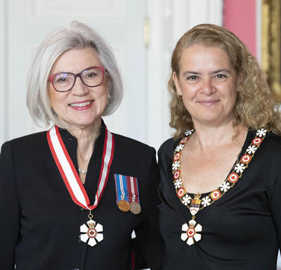 the Right Honorable Beverley McLachlin takes a photo with the Governor General