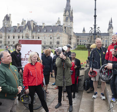 The Governor General delivers remarks to participants of Bike Day on the Hill