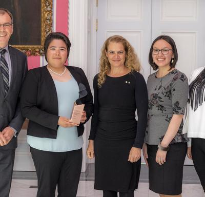 The SmartICE team, represented by Trevor Bell, Shelly Elverum, Jenny Mosesie, Shawna Dicker, pose for a picture with the Governor General.
