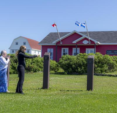 The Governor General and the Mayor of Grosse-Île are walking through the Old Harry sector.