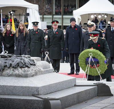 The Governor General lays a wreath during the National Remembrance Day Ceremony.