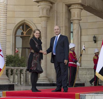 Governor General Julie Payette shakes hands with His Excellency Barham Salih, President of Iraq.