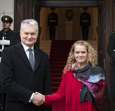 The Governor General shook hands with His Excellency Gitanas Nausėda, President of the Republic of Lithuania.