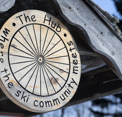 A photo of a wooden sign at the Kamview Ski Club.