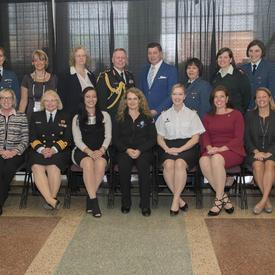 Briser les barrières : présentation du prix des meilleures femmes dans le secteur de la défense