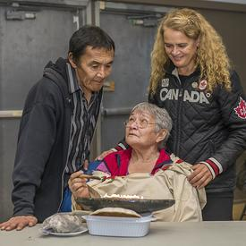 Following the meeting, the Governor General attended a community feast where she had the opportunity to meet with Elders and learn some of their traditions.